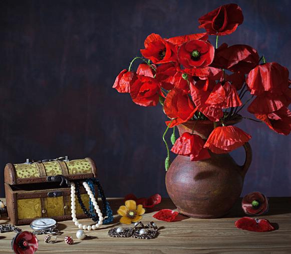 Bijou fleur Quintessenz B le bijou artisanal des pièces uniques car martelées toutes à la main et émaillées une à une. Les fleurs deviennent intemporelles